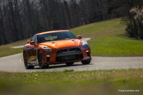 Nissan-GT-R (1)