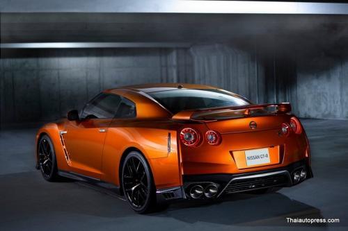 Nissan-GT-R (10)