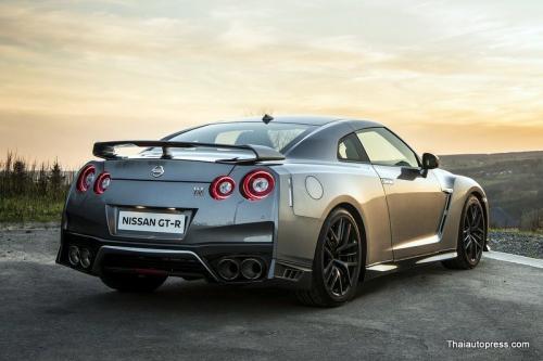 Nissan-GT-R (9)