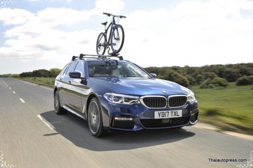 The new BMW 530i Touring M Sport (6)